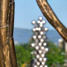 Las Bolas de Kapoor tras las patas de la Araña Museo Guggenheim Bilbao  #mendikleta #euskadigrafias #turismo_euskadi #igers_europe #igersbilbao #ilovebilbao #loves_euskadi #total_euskadi #visiteuskadi #visiteuskadi #bilbao #bilbosoul #Guggenheim #guggenheim #ig_captures by mendikleta