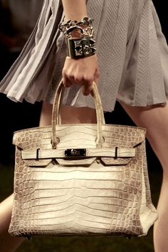 On the runway. #hermes #birkin