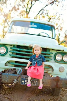 I have really got to find an old truck for our next family photo shoot @Tiffany Gilbert Sache