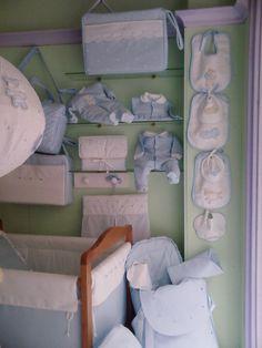 Azul y blanco. bebeteca.