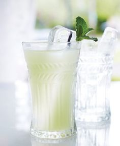 garden party - 4-5 fresh mint leaves ½ oz. fresh lime juice ¼ oz. simple syrup (1:1) 1½ oz. green Chartreuse 2½ oz. club soda Tools: muddler, shaker, strainer Glass: highball Garnish: mint sprig  Add the mint, lime juice and simple syrup to a shaker and muddle lightly. Add ice and the Chartreuse and shake until chilled. Strain into ice-filled glasses, top with club soda and garnish.