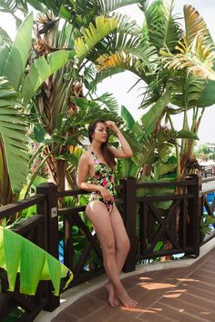 Welche Bademode liegt im Trend 2019. Ich zeige dir meine 3 Favoriten für Bikinis und Badeanzüge. Entdecke Retro-Bikinis und florale Prints und erfahre, warum sie wunderbar zu diesen Sommer passen und was noch auf meiner Wunschliste steht. Lass dich jetzt inspirieren und starte mit schöner Bademode in die Badesaison! #bikini #bikinis #bikiniguide #bademode #bademodetrends #Badeanzug #bademodetrends2019 #bademode2019 #triangelbikinis Baby Tritte, Mein Style, Confident Woman, Elegant, Colorful Fashion, Color Pop, Fit Women, Outfit Of The Day, Fat Burning