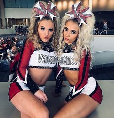 Cheer Jumps, Cheer Stunts, Cheer Picture Poses, Cheer Poses, Cheerleading Cheers, Cheerleading Uniforms, Cheer Couples, All Star Cheer Uniforms, Cheer Team Pictures