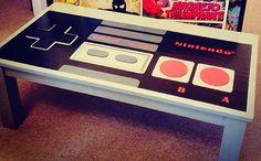 Wohnzimmertisch NES-Controller