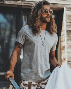 Long Curly Hair Men, Long Hair Beard, Short Beard, Hair And Beard Styles, Curly Hair Styles, Mens Long Hair Styles, Beard Model, Look Man, Long Beards