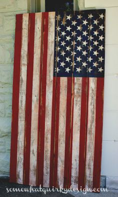 Somewhat Quirky: How To Make an American Flag from fence or pallet wood. (Emily) thought you'd like this (diy projects with pallets thoughts) Pallet Crafts, Diy Pallet Projects, Wood Crafts, Wood Projects, Woodworking Projects, Diy Crafts, Pallet Ideas, Woodworking Plans, Barnwood Ideas