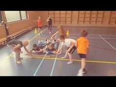Drie samenwerkopdrachten in estafettevorm - YouTube Pe Lessons, Team Building Games, Gym Games, Exercise For Kids, Physical Education, Games For Kids, Physics, Teaching, Activities