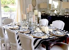 See more @ http://diningandlivingroom.com/best-dining-tables-decor-halloween/