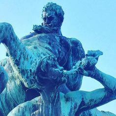 Zentaurenbrunnen in Fürth #fuerth #weekend  #kärwa #Brunnen #Franken #Frankonia #Bayern #meinbayern #entdeckebayern #ig_deutschland #igworld #igworldclub #kirchweih #travelblog #reise #trip