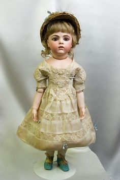 "20"" Breathtaking Bebe Bru Jne Size 7 on Chevrot body with bisque hands and wooden legs!"