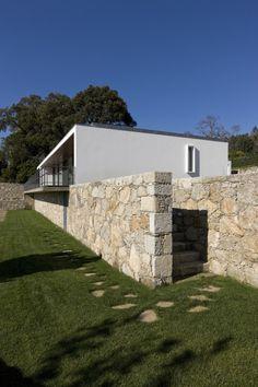 Casa Afife / Alfredo Resende Arquitectos (6)