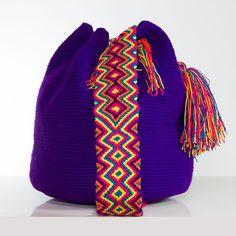 Handmade Wayúu Mochila Bag | Bolsos Wayúu tejidos a mano.  Shop online: www.vivayviva.com