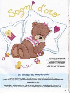 copertina orsetta dorme cuscini (1) - magiedifilo.it punto croce uncinetto schemi gratis hobby creativi