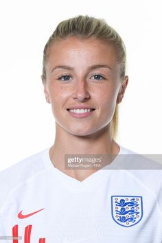 Leah Williamson of England poses for a portrait during the official FIFA Women's World Cup 2019 portrait session at Radisson Blu Hotel Nice on June 2019 in Nice, France. Get premium, high resolution news photos at Getty Images Jordan Nobbs, Fifa Women's World Cup, Football Girls, Arsenal Football, Flawless Beauty, Soccer Players, England, Poses, Portrait