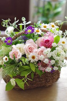 Raindrops and Roses Basket Flower Arrangements, Beautiful Flower Arrangements, Flower Planters, Floral Arrangements, Beautiful Flowers Pictures, Beautiful Rose Flowers, Flower Pictures, New Baby Flowers, Birthday Wishes Flowers