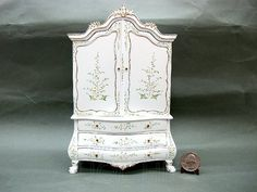 1:12 Scale of Miniature Doll House Hand painted White Dutch Baby House