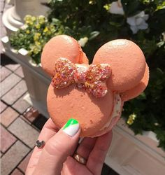55 Magical Mickey-Shaped Foods You Can Eat at Disney Parks - - Waffles, pretzels and. Here's your comprehensive guide to all the foods modeled after the world's most-famous mouse. Comida Disneyland, Best Disneyland Food, Disneyland Paris, Disneyland Secrets, Comida Disney World, Disney World Food, Disney World Outfits, Disney Parks, Walt Disney