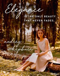 12 Audrey Hepburn Quotes That Never (Ever) Get Old – fashion quotes inspirational Audrey Hepburn Outfit, Audrey Hepburn Mode, Audrey Hepburn Quotes, Aubrey Hepburn, Mantra, Selena Gomez, Best Quotes Of All Time, Celebration Quotes, Look Fashion
