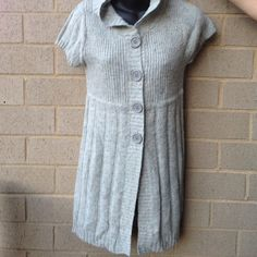 Hooded sweater Brand new swater . Fabric is 55% ramie, 15% acrylic, 15% wool and 15% nylon. at last Sweaters