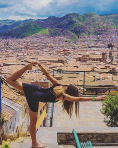 Nach dem Flug gibt es erstmal eine Runde #Yoga über den Dächern von #Cusco der Hauptstadt des Inkareiches!  #peru #cuzco #pdl #praktikumdeineslebens #aroundtheworld #rundumdiewelt #collectmomentsnotthings #travel #reise #bestjob by urlaubsguru