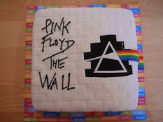 Pink floyd The wall cake