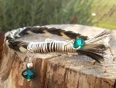 I love this Horse hair bracelet with a touch of metal and a little jewel...nice