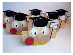 FREE studio cut file for this lovely teacher owl perfect for back to school or teacher thank you  from http://silhouettecriatividade.com.br/portal/2016/09/12/especial-dia-do-professor-caixa-corujinha/