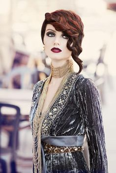 Modern-Day Gatsby | ModernSalon.com Vintage Hairstyles, Wedding Hairstyles, Cool Hairstyles, 20s Fashion, Vintage Fashion, Hair Rainbow, Make Up Braut, Gatsby Style, Hair Photo