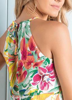 Blusa Floral com Abertura Gota Frontal - Posthaus