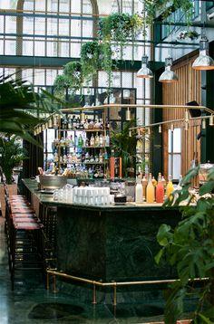 Paris, Paris Travel Tips, Travel Blog, Paris Places to visit, Visit Paris, Paris Cafés, Paris Restaurants
