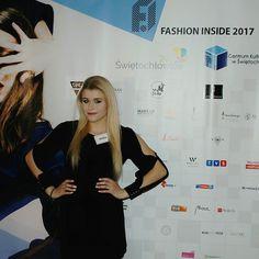 Fashion Inside kolejny raz mnie zaskakuje. Jeszcze lepsza organizacja jeszcze więcej projektantów i jeszcze więcej cudownych ubrań. Ale o tym w poniedziałek na blogu  Dziękuję że miałam okazję być częścią tego wydarzenia. . . .  ______  #fashion #fashionblogger #fashionista #fashionshow #firstrow #photowall #celebrate #lifestyle #bloggerlife #blondedoitbetter #polishgirl #pokazmody #fashioninside