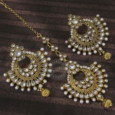 Earrings and Maang Tikka Tika Jewelry, Indian Jewelry Earrings, Fancy Jewellery, Head Jewelry, Royal Jewelry, India Jewelry, Stylish Jewelry, Fashion Jewelry, Silver Jewelry