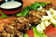 Receita de Sobrecoxas de frango ao molho delicioso em receitas de aves, veja essa e outras receitas aqui!