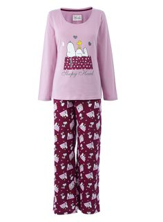 Our extensive collection of Snoopy Pajamas in a wide variety of styles allow you to wear your passion around the house. Turn your interests, causes or fan favorites into a killer comfy pajama set. At CafePress, we have jammies for everyone.