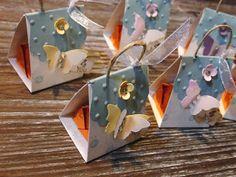 Kreativ am Deich : ...kleine Mini-Mini-Täschchen in pastell....für ein Küsschen...und die Reste-Kiste...
