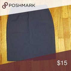 Dark grape purple skirt Gorgeous skirt Buy Charles glueck Focus 2000. Slight slip on the back size 8, hundred percent polyester Charles Glueck Skirts Midi