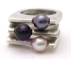 AX pearl rings in pink pearl, black pearl and amethyst Pearl Jewelry, Jewelry Rings, Silver Jewelry, Jewelry Accessories, Silver Rings, Pearl Rings, Silver Pearls, Bijoux Design, Schmuck Design