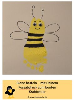 Biene basteln DIY Bee – DIY / Craft Idea for Kids – In this crafting idea, the crafting raven shows you how to make a great bee with the help of your footprint and yellow fingerpaint. Fall Art Projects, Projects For Kids, Fun Arts And Crafts, Diy Crafts For Kids, Apple Template, Apple Art, Kindergarten Lesson Plans, Crafty Kids, Finger Painting