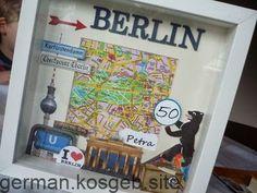 Papierkram+und+anderes…:+Bilderrahmen+Berlin+und+Sale-a-bration… Paperwork + and + other … + photo frame + Berlin + and + Sale-a-bration … Diy Presents, Diy Gifts, Handmade Gifts, Petra, Arte Pop Up, Travel Memories, Art Plastique, Gift Packaging, Shadow Box