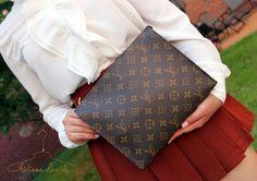 Hiliana Devila Louis Vuitton Toiletry Bag 26