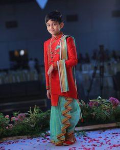 Kids Party Wear Dresses, Kids Dress Wear, Dresses Kids Girl, Kids Outfits, Kids Indian Wear, Kids Ethnic Wear, Kids Dress Patterns, Baby Clothes Patterns, Kids Clothes Refashion