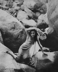 Silent film actress Bessie Love photographed by Edwin Bower Hesser, circa 1919 Marion Davies, Isadora Duncan, Jean Harlow, Hollywood Glamour, Classic Hollywood, Hollywood Icons, Hollywood Actresses, Stars D'hollywood, Bessie Love