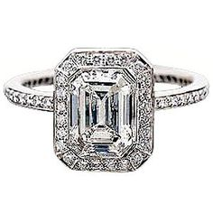 Ritani Endless Love Emerald Diamond Ring