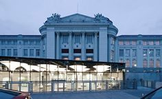 The re-design of the foyer for the Technical Museum in Vienna by querkraft architects is an example of a smart approach for a new, contemporary public space Dp Architects, Steel Columns, Entrance Foyer, Science Museum, Tree Lighting, Contemporary Architecture, Vienna, Facade, Exterior
