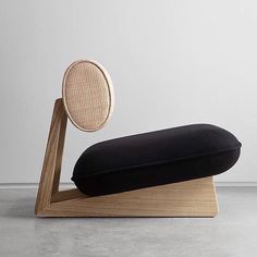 furnish Brazilian designer Guilherme Torres to create the Wabi lounge chair Diy Furniture, Modern Furniture, Furniture Design, Diy Japanese Furniture, Furniture Stores, Office Furniture, Vintage Industrial Furniture, Futuristic Furniture, Furniture Chairs