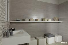 Apuesta por un #baño sencillo pero significativo. Make your #bathroom simple but significant. #PamesaCerámica   #decoración   #decor   #interiorismo   #interiordesign   #tiles   #home   #trends