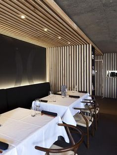 New Zealand architects Gascoigne Associates have completed this Japanese restaurant lined with wooden slats in Auckland, New Zea… Wood Interior Design, Bar Interior, Restaurant Interior Design, Design Hotel, Furniture Design, Wood Slat Ceiling, Wooden Ceilings, Wood Slat Wall, Concrete Ceiling