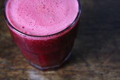 Beetroot juice (500 gr precooked beets, 4 carrots, 3 apples without seeds, 1 lemon) -  beginspiration.nl