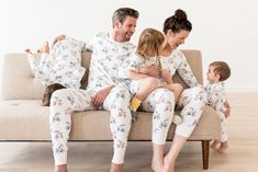 Spend meaningful moments together with those who matter most in our collection of super soft matching pajamas crafted from organic cotton. Family Pjs, Matching Family Pajamas, New Year Photos, Family Photos, Hanna Andersson, Pj Sets, Matching Outfits, Elegant Dresses, Boho Dress