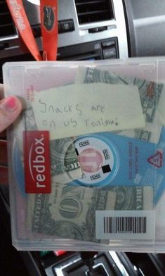 When the Redbox angel gave money for snacks: | 28 Pictures That Prove 2015 Wasn't A Completely Terrible Year